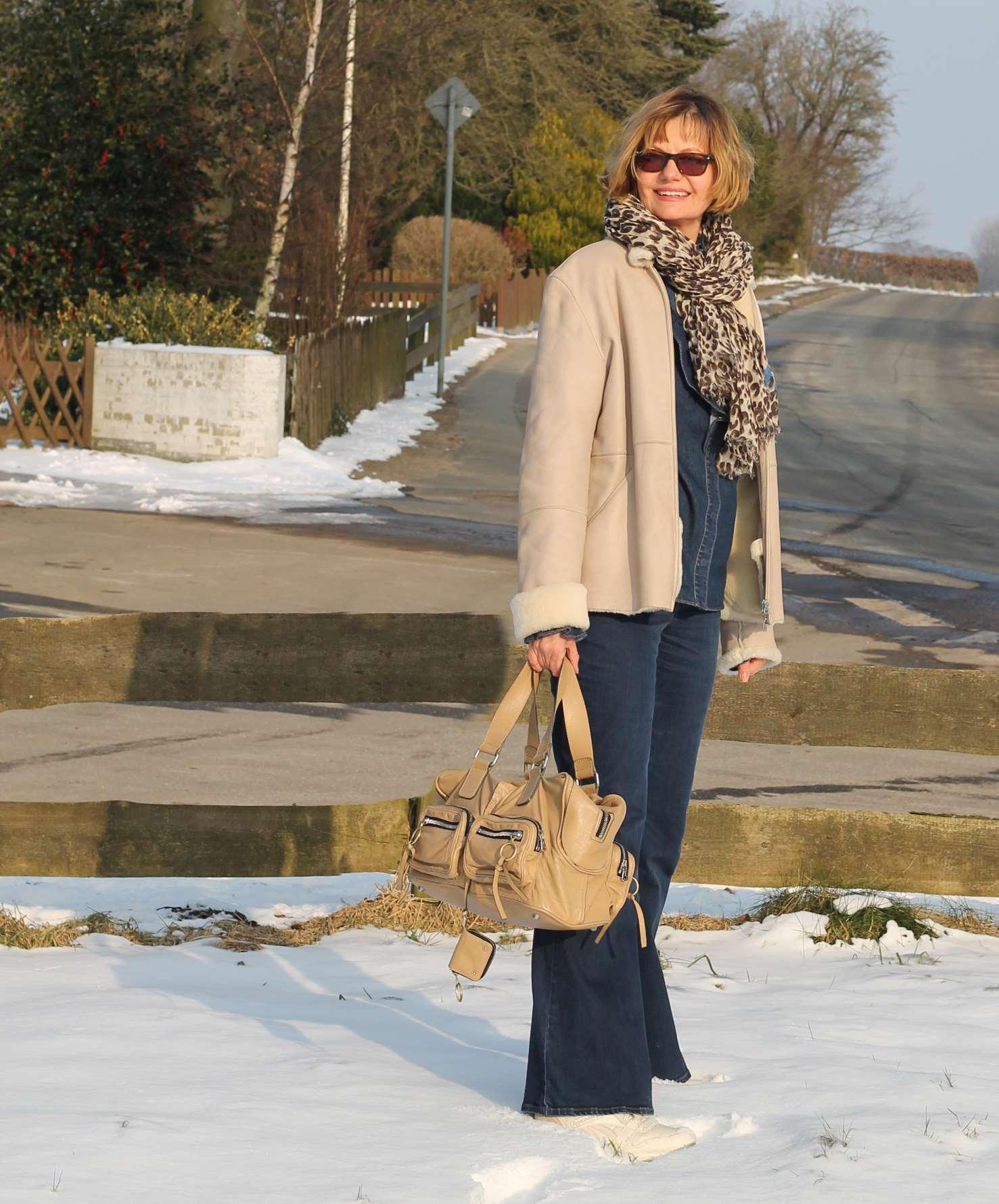 chloe betty sable vuitton leo scarf beige