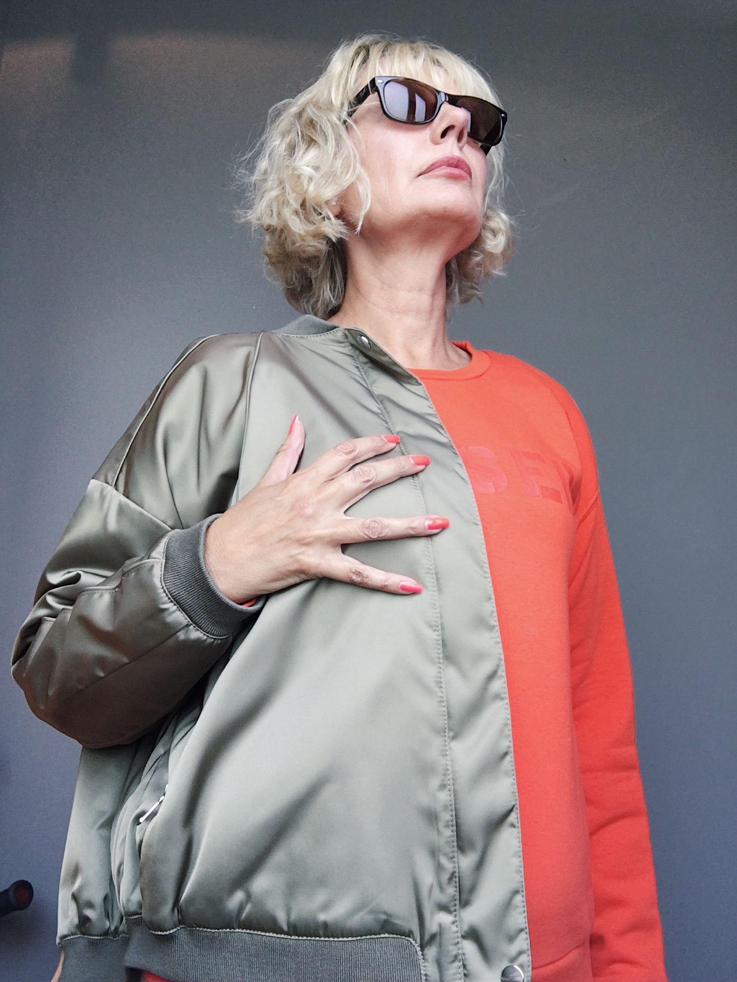 herbstlook fashion ue50 oliv im trend