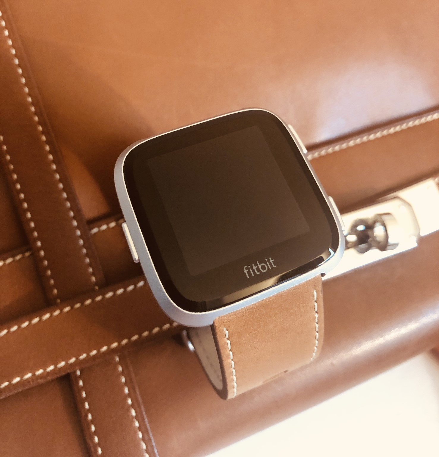 fitbit smartwatch versa lederarmband hermes kelly barenia
