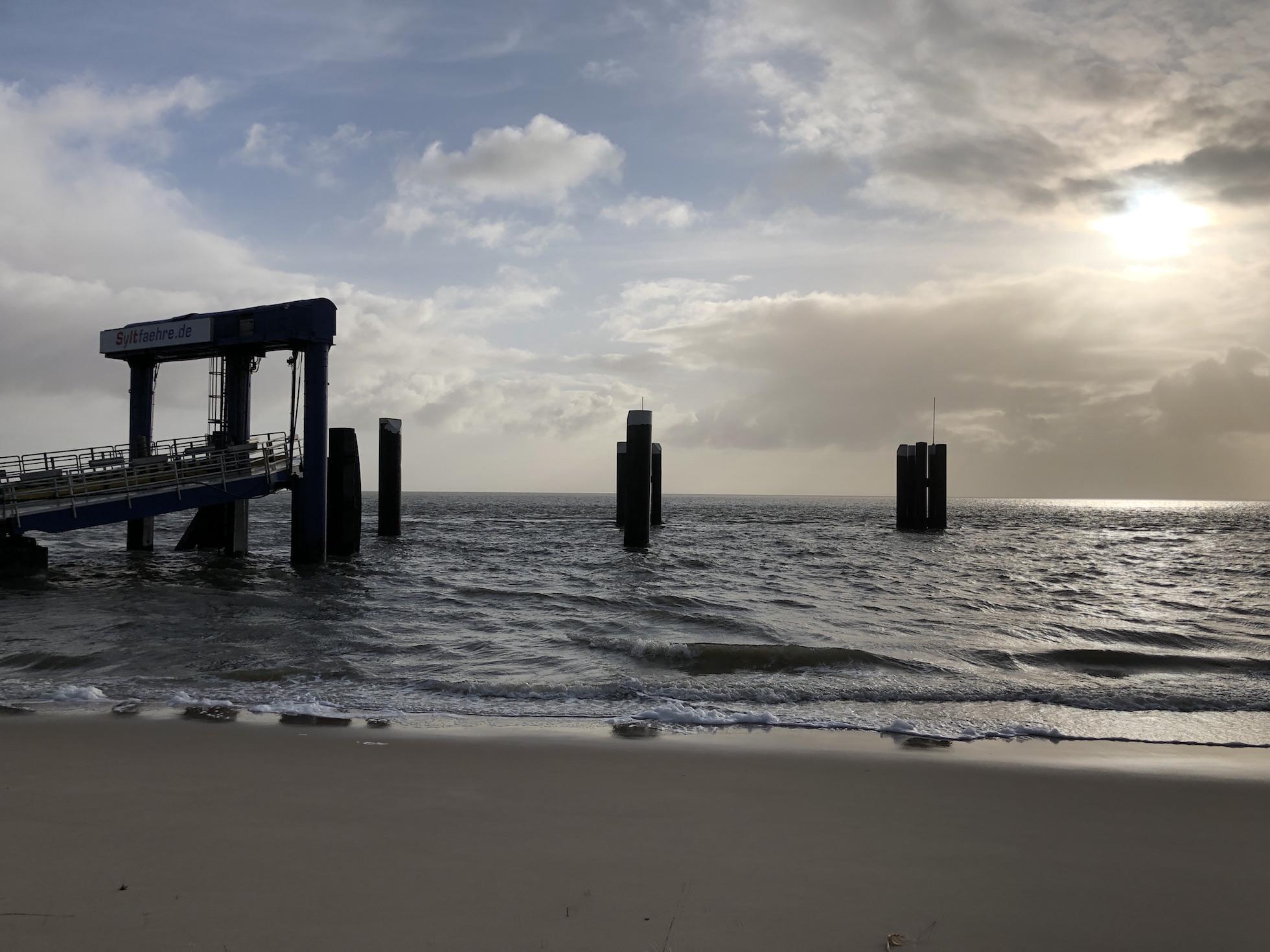 Nordsee, Nordfriesland, Sylt, List, Faehranleger, Meer und Sonne