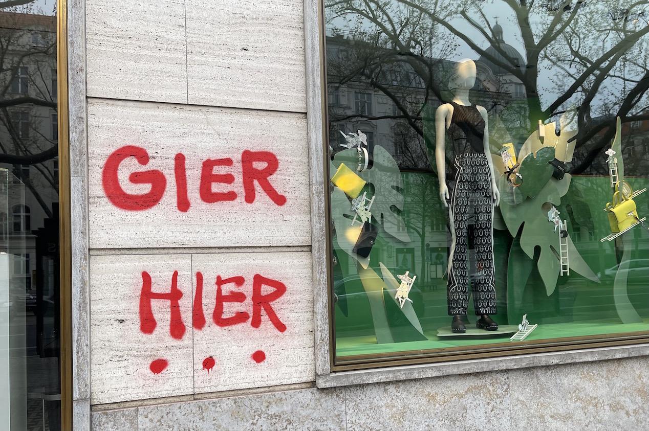 Berlin kurfüstendamm Schaufenster der nobelboutiquen hermes paris